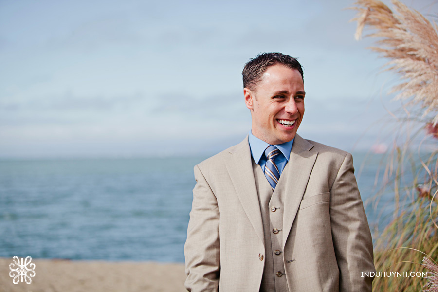 006intimate_beach_ wedding_Crown_Memorial_Beach_Oakland_California_Indu_Huynh_Photography
