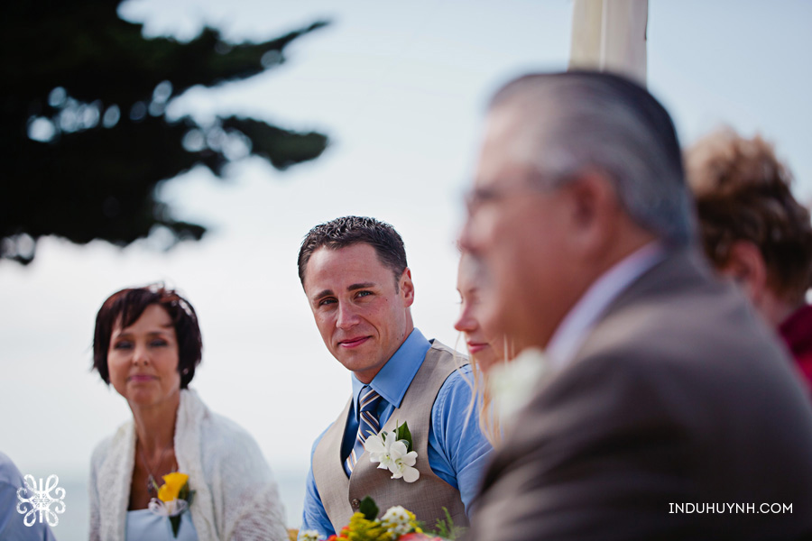 011intimate_beach_ wedding_Crown_Memorial_Beach_Oakland_California_Indu_Huynh_Photography