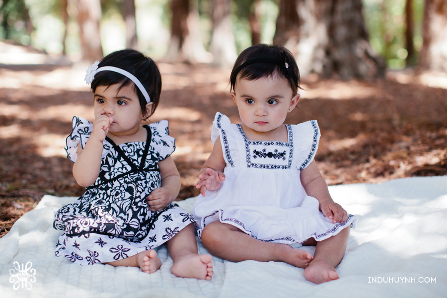 018-Twin-girls-firs-birthday-portrait-session-San-Jose-california-Indu-Huynh-Photography