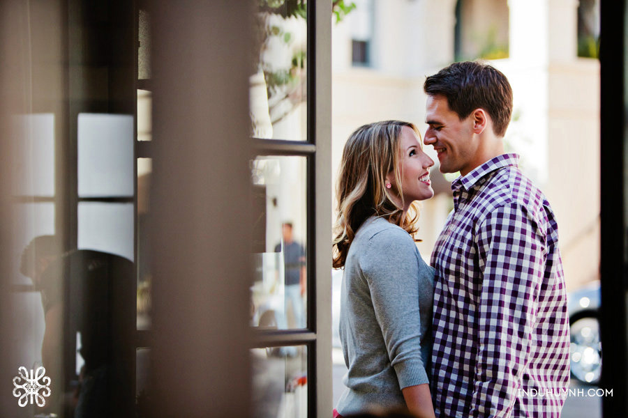 011Nicole-Andrew-Palo-alto-outdoor-engagement-session-indu-huynh-photography