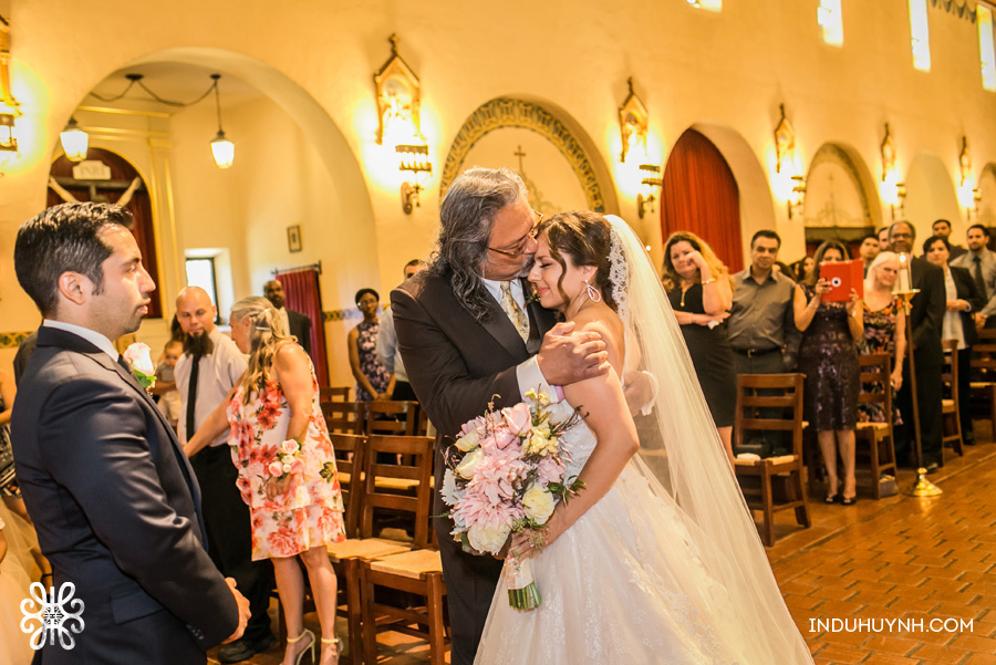017C&V-Mission-Santa-Clara-wedding-Indu-Huynh-Photography